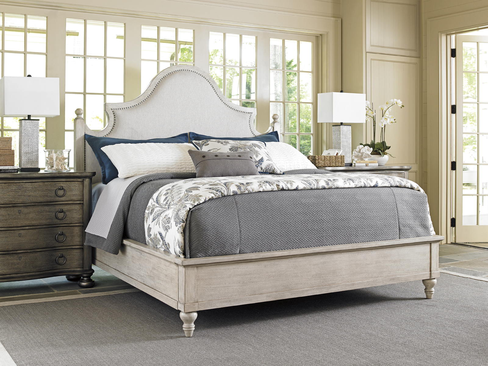 Lexington Oyster Bay 4 Piece Arbor Hills Upholstered Bedroom Set In Distressed Oyster Bay