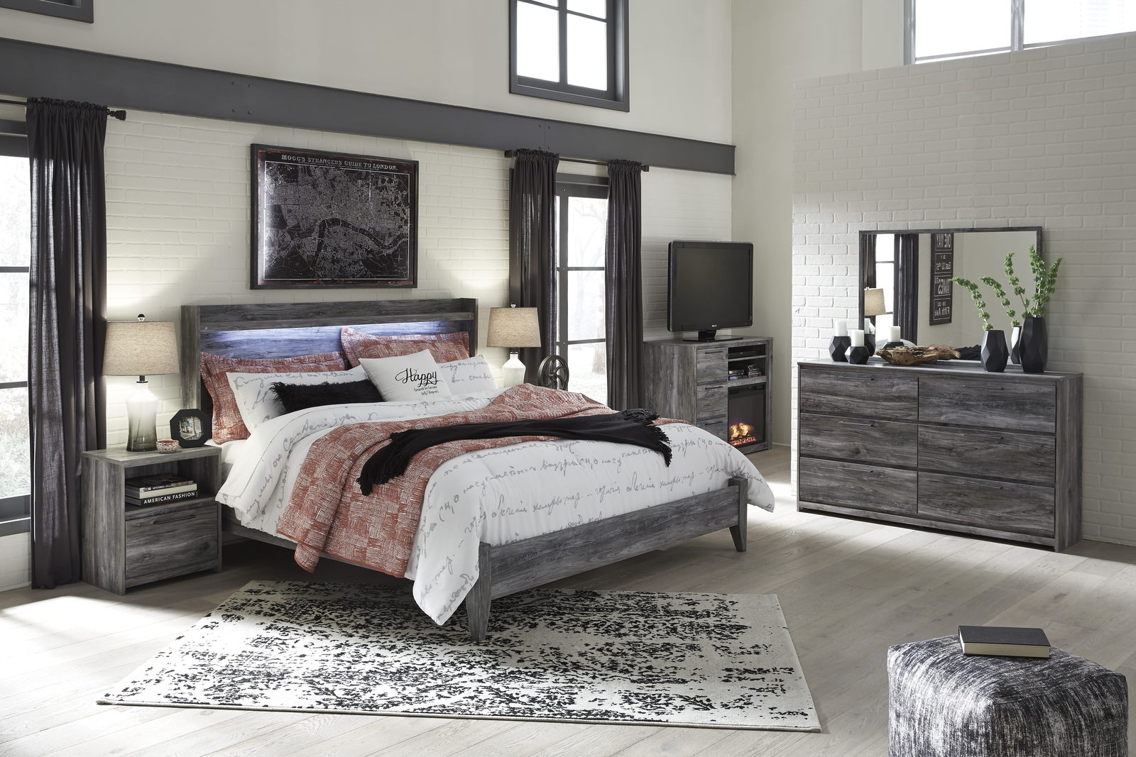 Baystorm 4pc Panel Bedroom Set In Gray