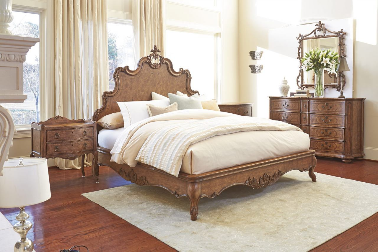Fine Furniture Biltmore Collector's Room 4 Piece Tyrolean Panel Bedroom Set in Heirloom