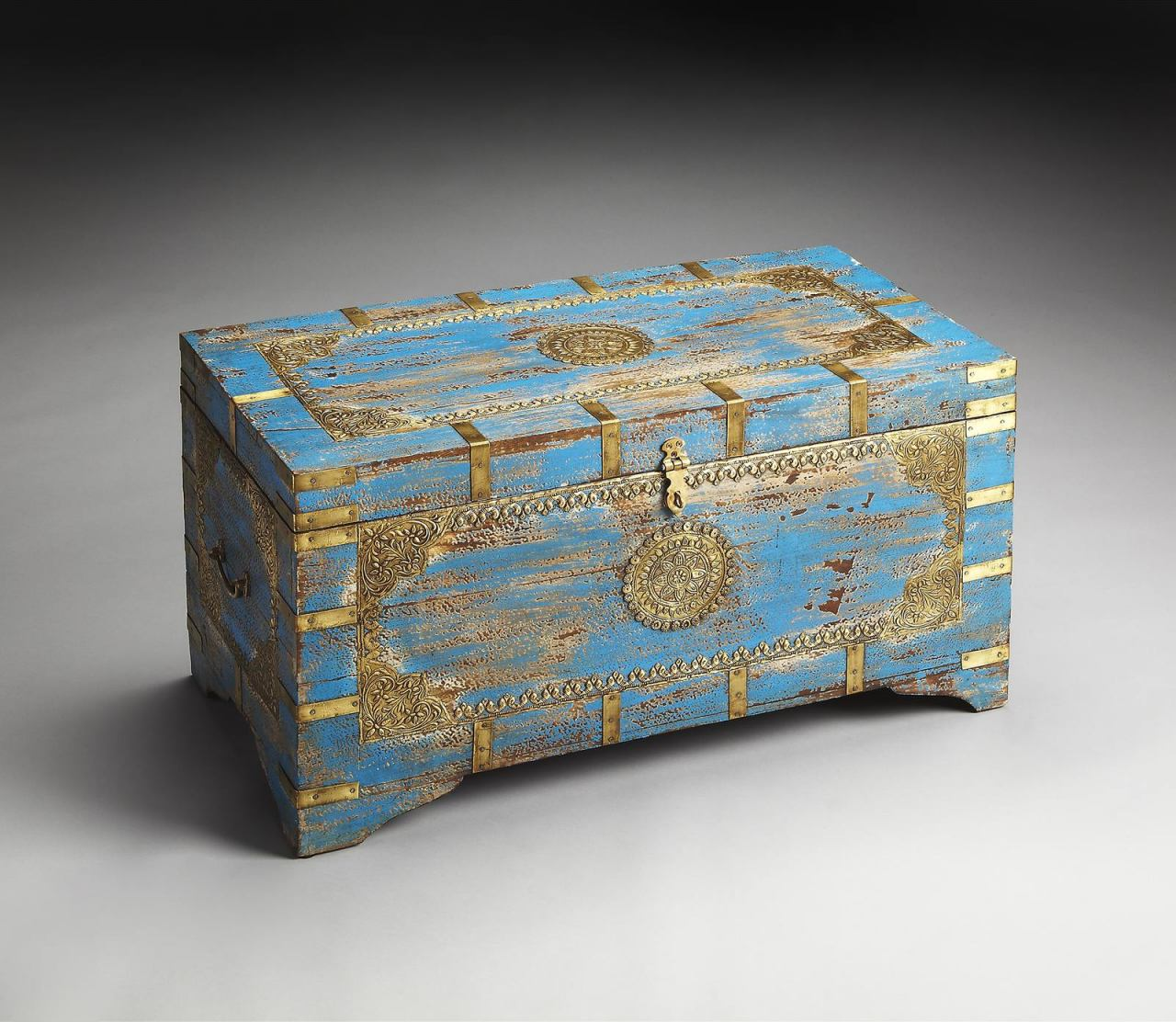 Butler Specialty Blue Storage Trunk with Painted Brass Inlay 3387290