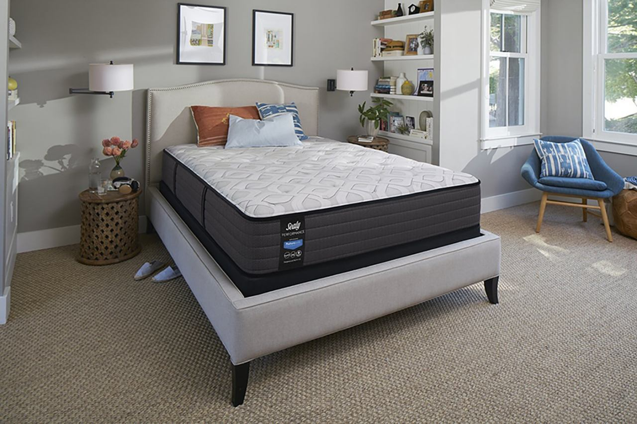 "Sealy Response Performance - Traditional Plush/Tight Top 12.5"" Mattress 521262"