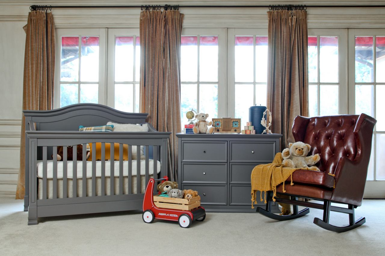 Million Dollar Baby Classic Louis/Foothill Collection 4 in 1 Convertible Crib Set in Manor Grey M34MGSET