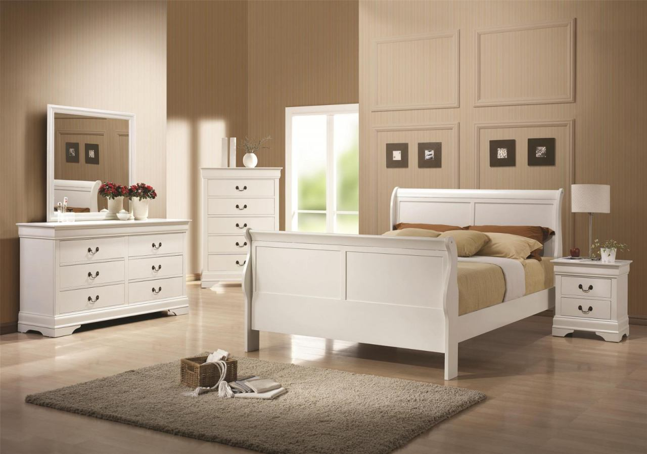 Coaster Louis Philippe Sleigh Bedroom Set in White