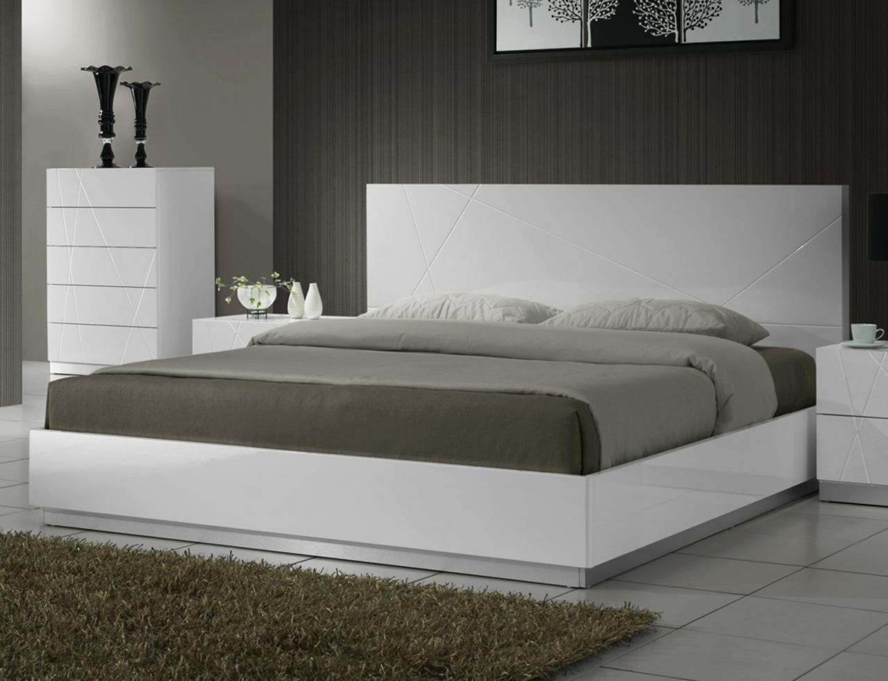 J&M Naples Queen Platform Bed in White Lacquer 17686-Q