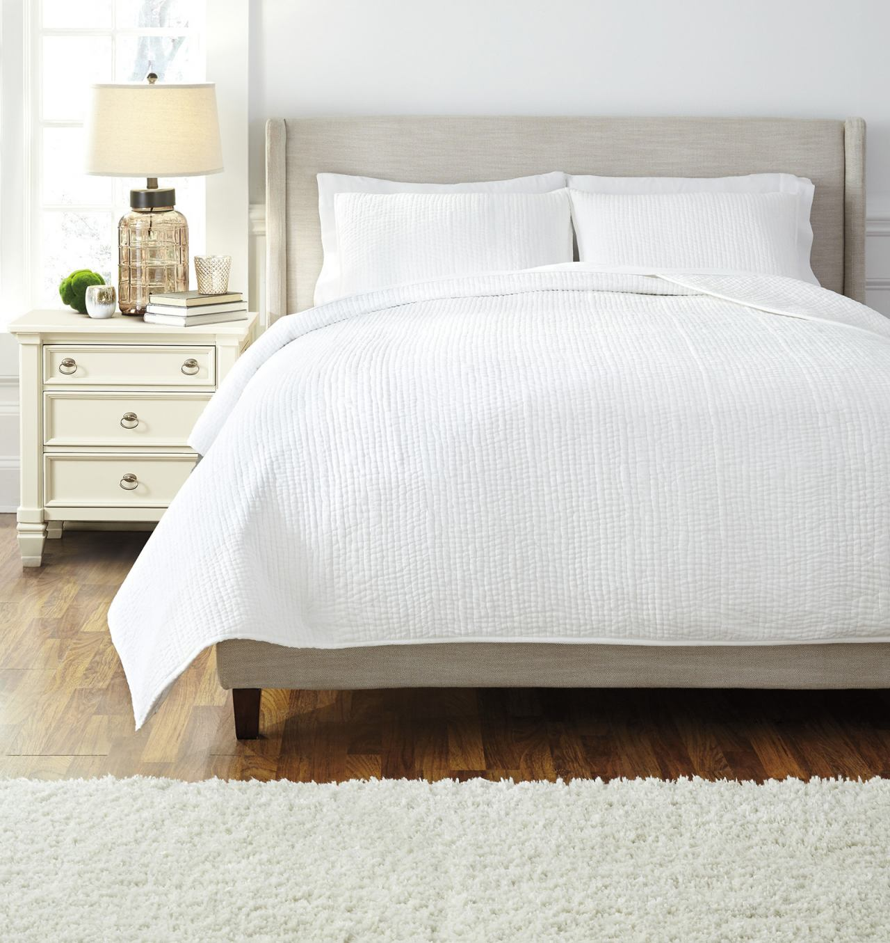 Stitched King Comforter Set in White Q481003K