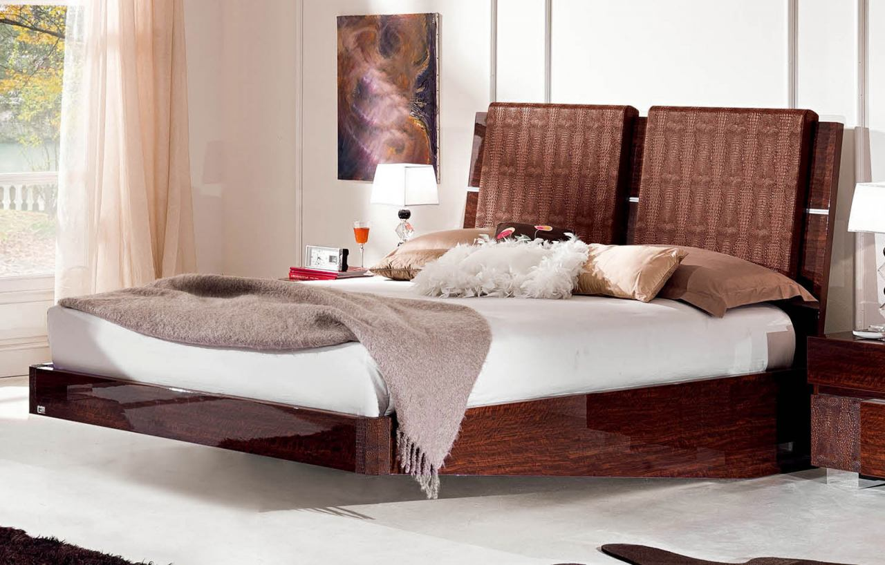 ESF Furniture Status Caprice King Sleigh Bed in Walnut