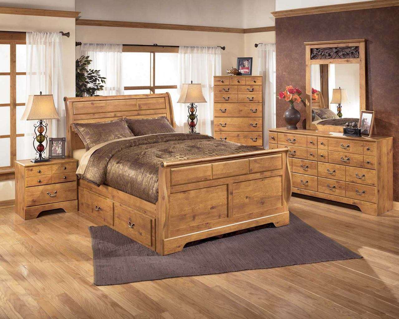 Bittersweet Sleigh Bedroom Set with Underbed Storage in Pine Grain