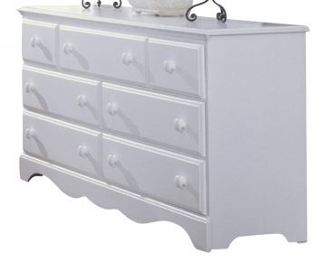 Carolina Furniture Cottage Triple Dresser in White 415700