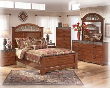 Fairbrooks Estate 4-Piece Poster Bedroom Set
