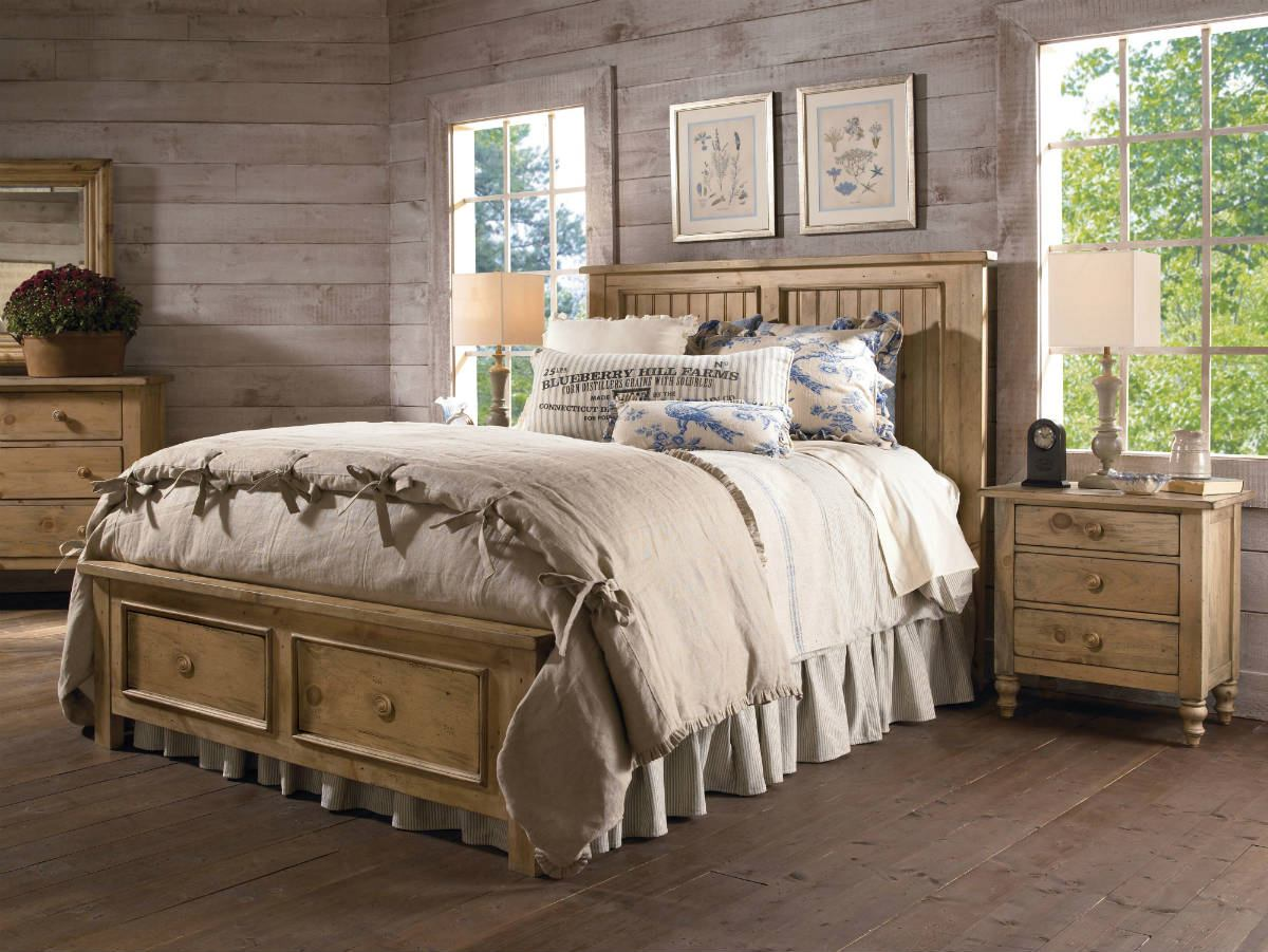 Kincaid Homecoming Solid Wood Panel with Storage Footboard Bedroom Set in Vintage Pine