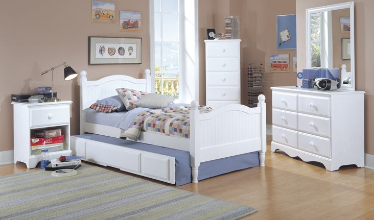 Carolina Furniture Cottage 4 Piece Panel Bedroom Set in White