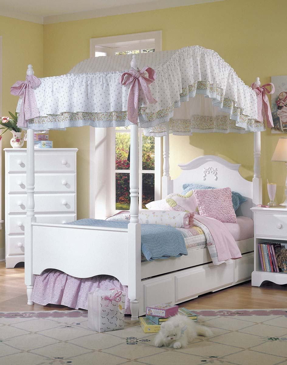 Carolina Furniture Cottage Twin Canopy Princess Bed in White