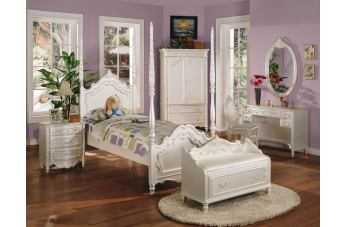 Acme Pearl Poster Bedroom Set in Pearl White