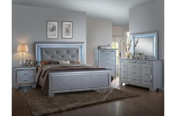 Crown Mark Furniture Lillian 4-Piece Panel Bedroom Set in Silver