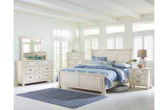 Standard Furniture Chesapeake Bay 4-Piece Panel Bedroom Set in Chalk White