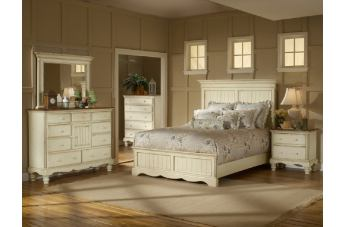 Hillsdale Wilshire Panel Bedroom Set in Antique White