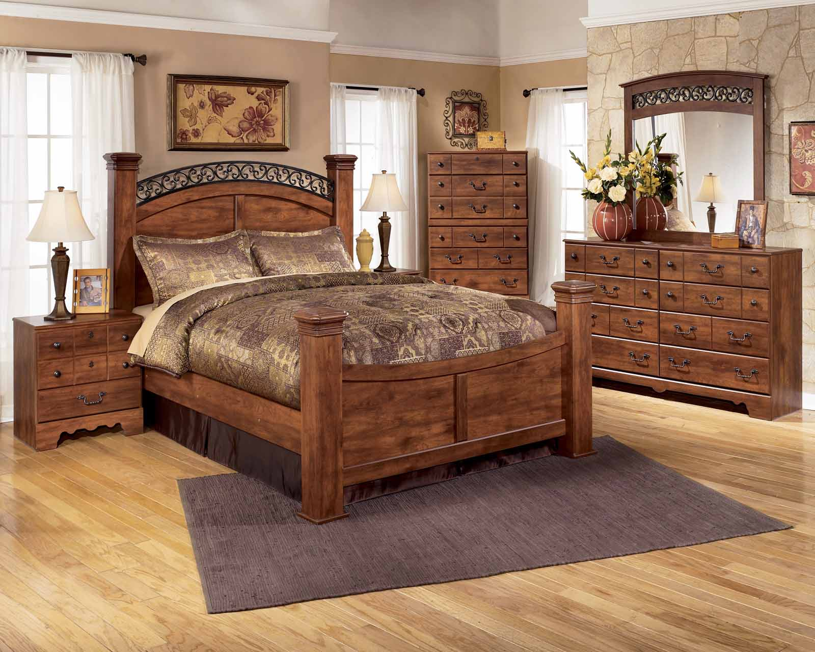 Timberline 4 piece poster bedroom set in cherry for 3 bedroom set
