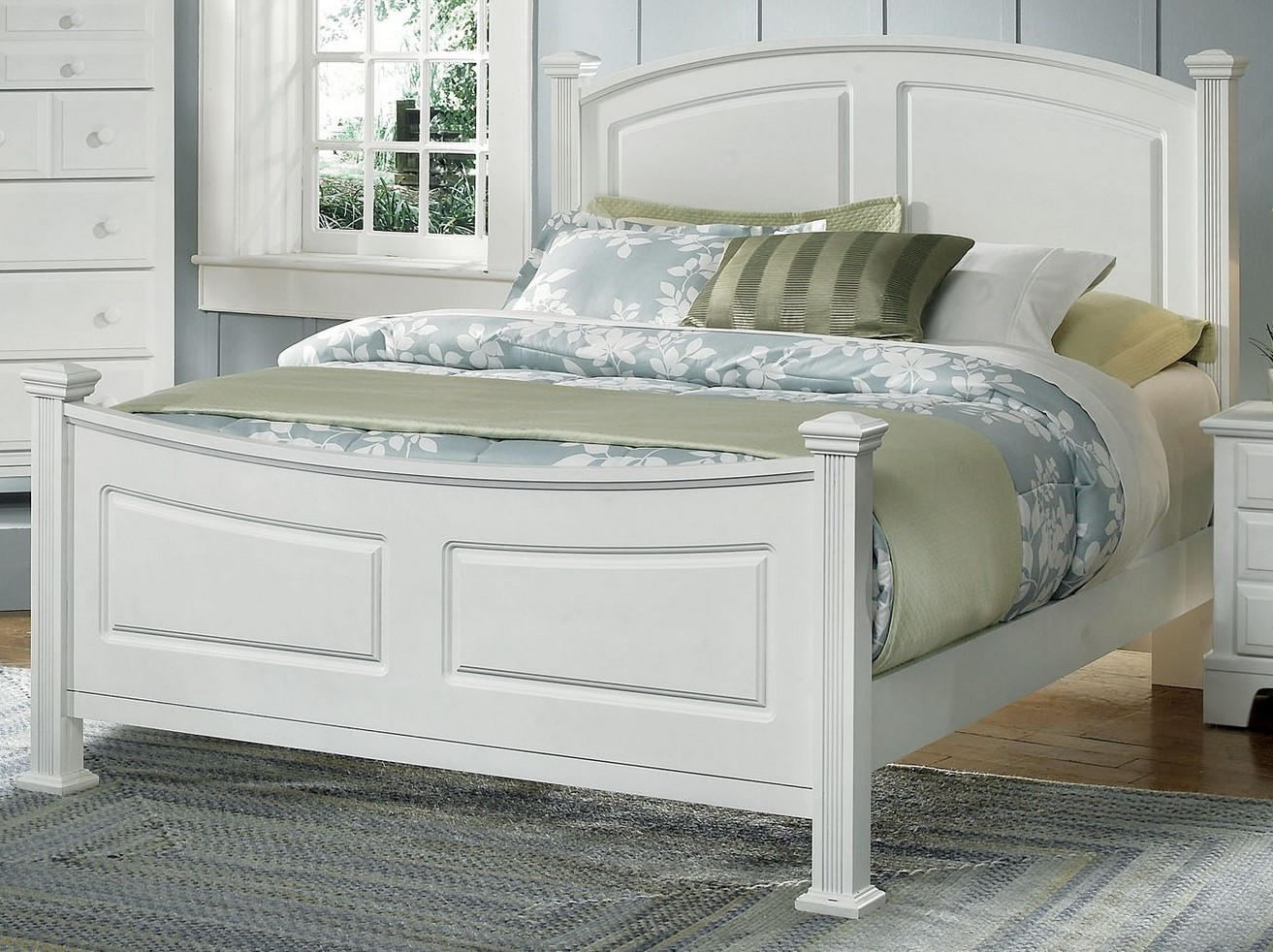 Vaughan Basset Hamilton Franklin Queen Panel Bed In Snow White